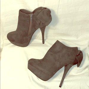 JUSTFABULOUS Platform Stiletto Ankle Boots